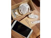 Samsung Galaxy S4 Mobile phone on Vodafone with box&charger ideal Xmas gift