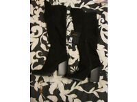 BLACK KNEE HIGH BOOTS SIZE 5 FROM FOREVER 21 PRICE TAG STILL ON was £35