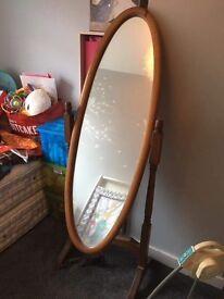 Wooden swing mirror