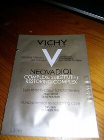VICHY Neovadiol Complexe Substitutif/Restoring Complex Dry and sensitive skin 34 x 1,5 ml = 51 ml