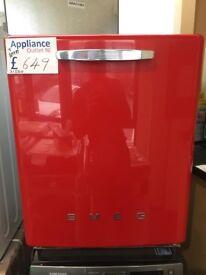 EX-DISPLAY SMEG RETRO INTEGRATED DISHWASHER RED: 31550