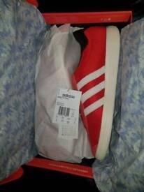Adidas ninety two