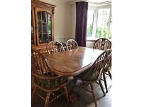 Large oak dining table & 6 chairs