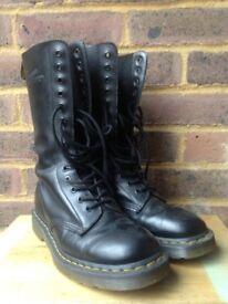 Dr Marten black boots size 5