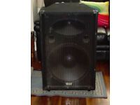 "PAIR OF KAM Z SERIES PA 18"" 700Watt BASS SPEAKERS WEDGE SHAPE BOX DJ STARTER SPEAKERS"