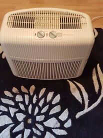 Bionaire Air Purifier - model: LC1060 - HEPA Filter + Ionising air - Cleans air very well
