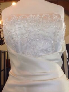 BRAND NEW WEDDING DRESS SIZE 8 Weston Cessnock Area Preview