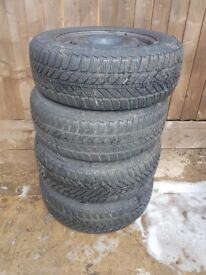 matching set of tyres the size is 215/60r 16