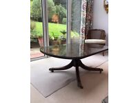 GORGEOUS ANTIQUE COFFEE TABLE WITH GLASS TOP