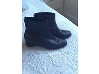 Black leather ankle boots size 5