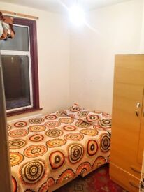 BUDGET ROOM - SINGLE USE ONLY - 100p/w - ZONE 3 - UPTON PARK - CALL ME NOW AND MOVE IN TODAY
