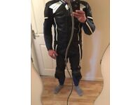 ARLEN NESS LEATHER SUIT SIZE 52 GOOD CONDITION LEEDS HUNSLET TWO PIECES BLUE / BLACK CHEAP PRICE