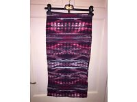 Black red and white bodycon skirt size 8