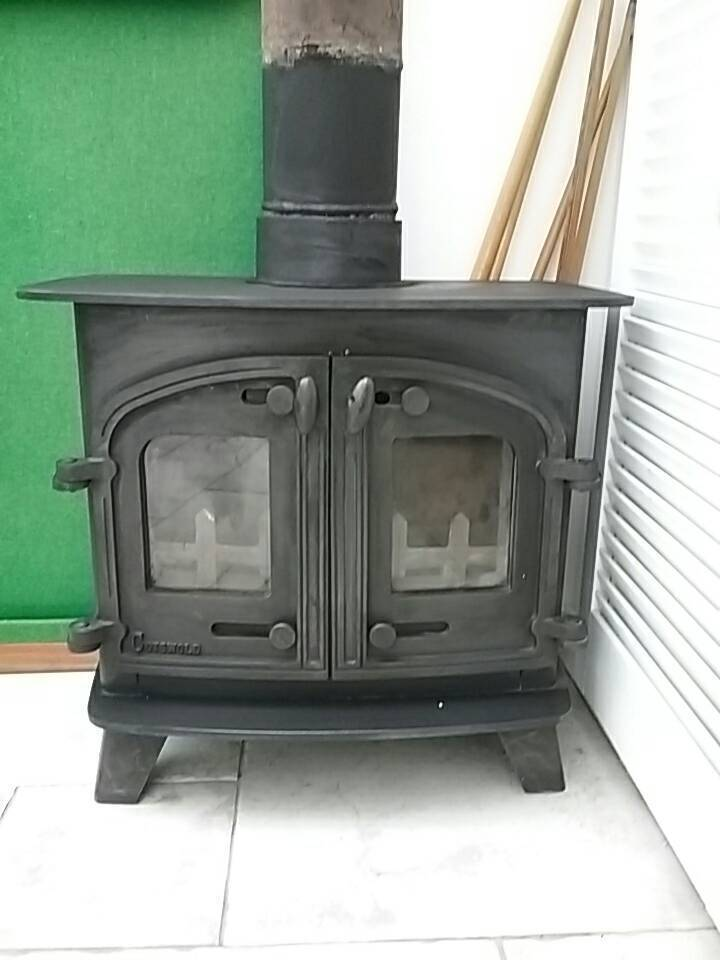 Log burning stove for salein Tamworth, StaffordshireGumtree - Beautiful double door Cotswold log burner for collection only please