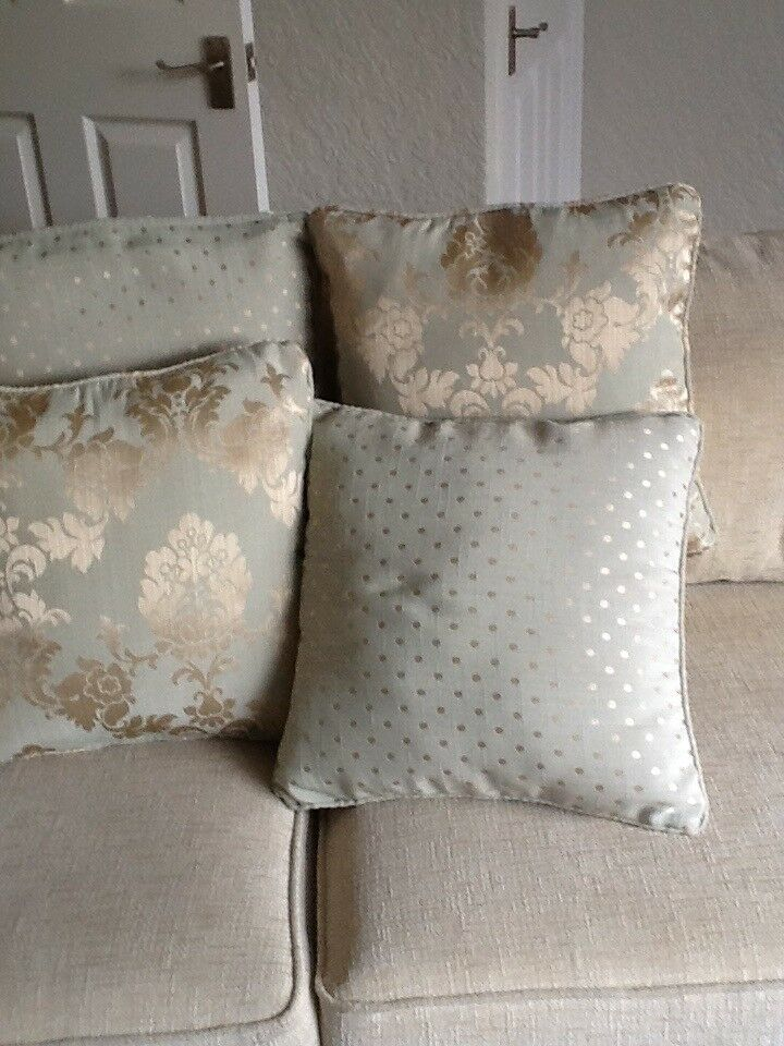 4 Pale Green/Pale gold cushions