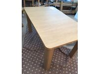 Shenley extendable dining table xcat not used in good condition