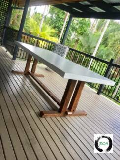 """""""The Silvanus"""" White concrete top with raw hardwood timber base"""