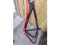carbon frame on-one