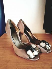Womans Shoes - Brand New - Size 3