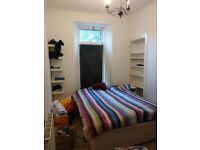 Room to rent in two bedroom flat in central university location