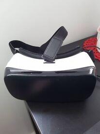 Samsung Gear VR + Hard Case