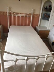 Signal metal bed frame with memory foam mattress