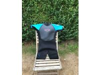 TWF kid's wetsuit black and blue K12