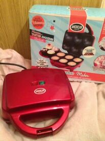 Cupcake Maker with Cupcake Carrier