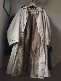 Classic/Vintage Beige Raincoat Liberto (French brand)