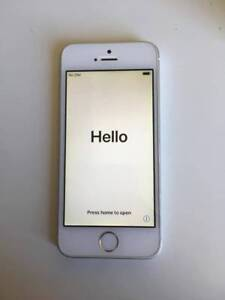 iPhone SE Gold UNLOCKED in great condition *now discontinued*