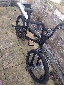 KHE BMX bike for sale front & Back pegs full 360 handlebar rotation.