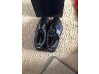 Black leather new golf shoes still in original packaging size 8(new)