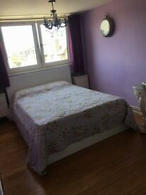 Spacious room 5 mins walk to Bethnal Green for student near Queen Mary