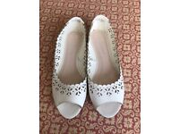White Lacey open toe flats used size 5