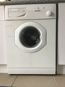 Ariston Front loading washing machine AB396. Flynn Belconnen Area Preview