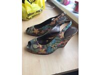 New Look size 6 wedges