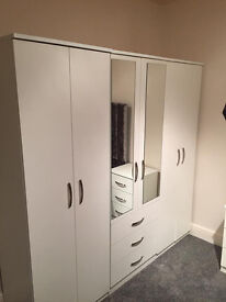✨Spacious 6ft wardrobe with 6 door 3 draws 2 mirrors✨ £250
