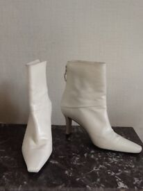 Ladies Russell & Bromley boots. Size 4. Winter white. Only worn twice.