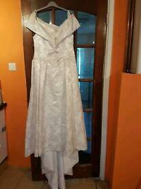 Scoland. Wedding dress for sale