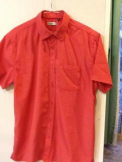 Men's Adamsville short sleeved shirt size L