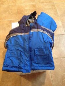 Snow suit size 3 and 4