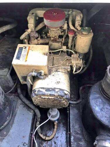 Onan 4.0  /  4 kW Marine Gas Generator 60 Hz