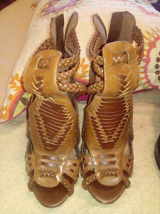 Heels size 7 Wauchope Port Macquarie City Preview
