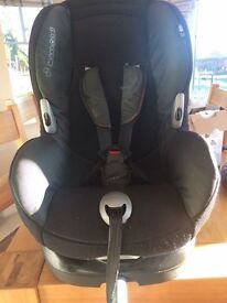 Maxi Cosi Car Seat and Isofix Base Excellent Condition