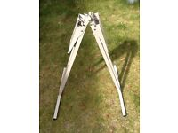 Caravan fold up table support legs