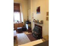 One bedroom ground floor flat in Abbeyhill, Edinburgh