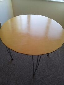 Dining table (round) including 2 chairs