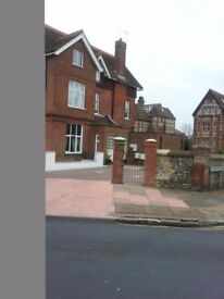 LARGE THREE BEDROOM FLAT. LOWER MEADS. EASTBOURNE.