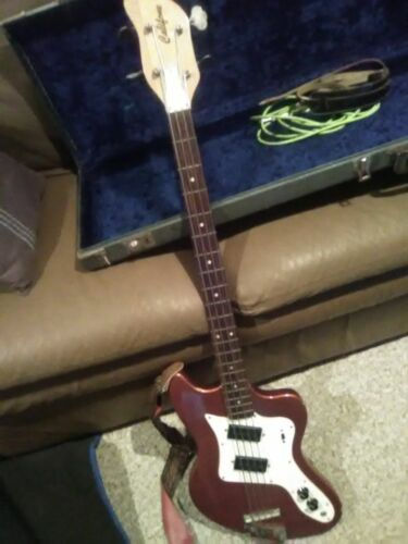 Extremely Rare Califone Bass Guitar 1960s Prototype With Original Case
