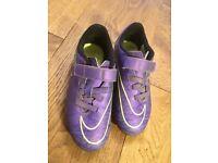 Kids Nike football boots uk12
